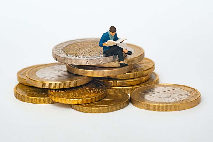 Debunking Dropshipping Myths - get rich quick - winner picker